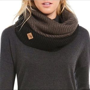 The North Face || 'Hudson' Infinity Scarf